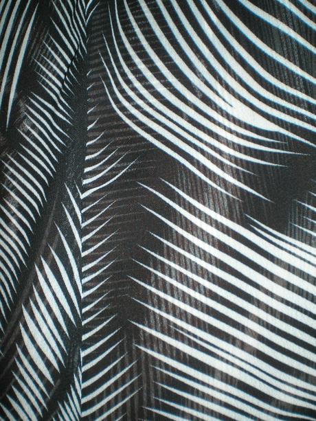 Čierno - biela priehľadná blúzka, L