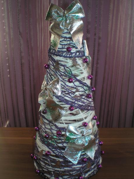 Dekoračný vianočný stromček - fialový,