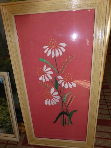 Obraz - výšivka Kvetov, rozmer 51 x 26,5cm,
