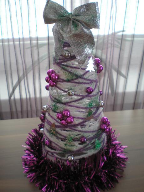 Suprový fialo-zelený dekoračný stromček,