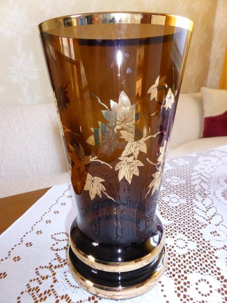 Vysoká sklenená váza,