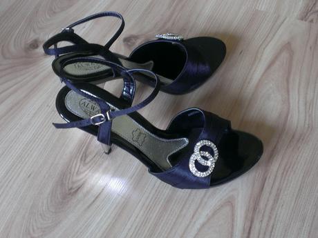 sandálky so strieborným opätkom, 40