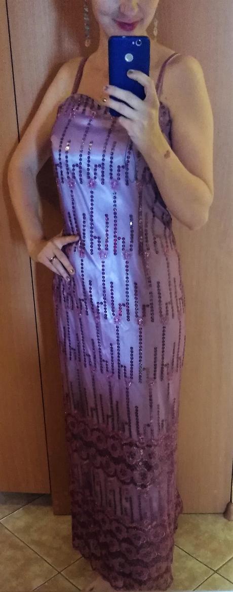 šaty s flitrami, M