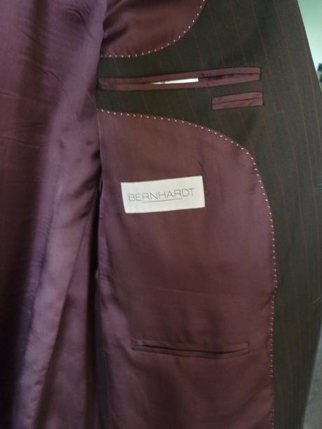 Hnedočierny oblek Prostějov v. 26 - kravata zdarma, 52