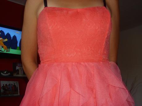 šaty s čipkou, M