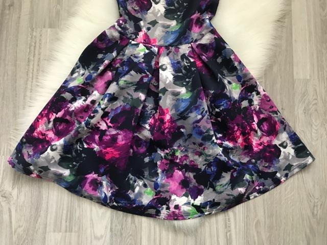bdd9d180441d Spoločenské kvetované šaty značky f f