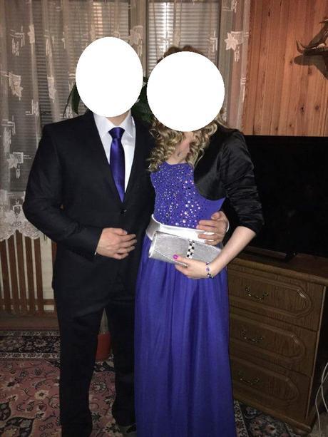 Spoločenské šaty s kravatou pre pána, 38