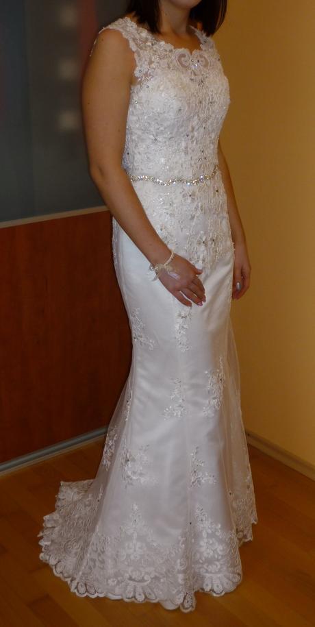 Svadobné celokrajkové šaty, 36