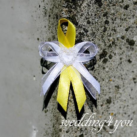 De luxe - Vývazek žluto-bílý se špendlíkem,