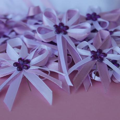 Fialový lila polštářek pod prstýnky,