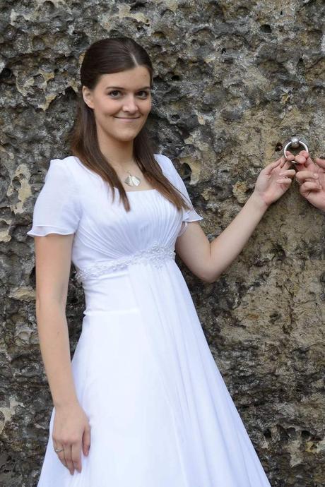 Bílé svatební šaty s krátkými rukávy Romantica, 38