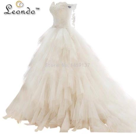 Luxusní svatební šaty s vlečkou, 36