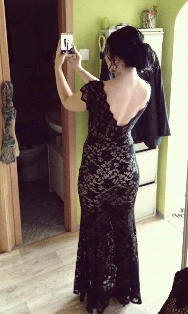32864908425a Dlhé čierne čipkované spoločenské šaty