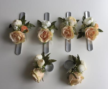 Kvetinové svadobné náramky ,
