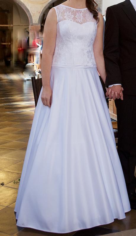 Svatební šaty vel. 38 ručně šité, 38
