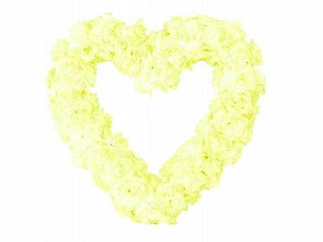Dekorační srdce světle žluté,