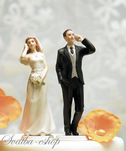 Figurka na svatební dort Stále na telefonu,