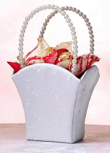 Košíček bílý s perlovou rukojetí,