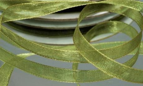 Stuha šifónová 6 mm x 25 m olivově zelená,