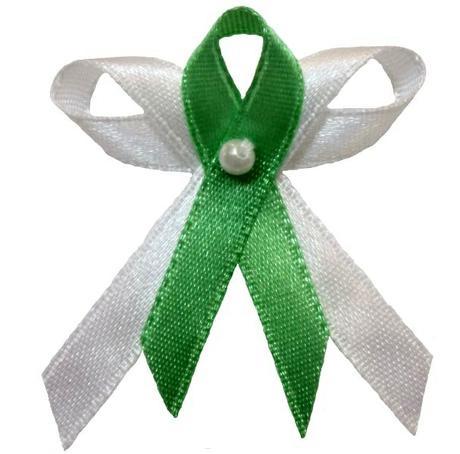 Svatební vývazek bílo sytě zelený,