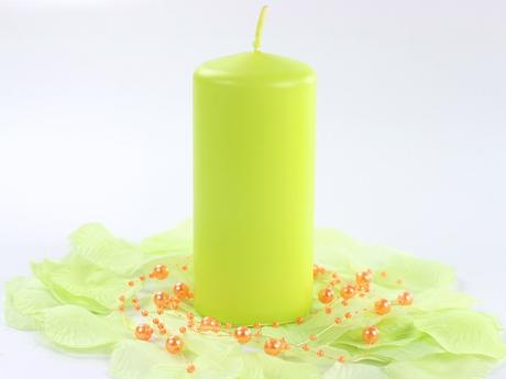 Svíčka válec světle zelená 60mm x 120 mm,