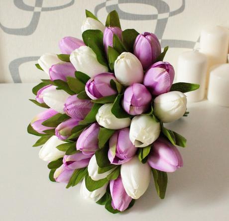 Jednoduchá tulipánová kytice,