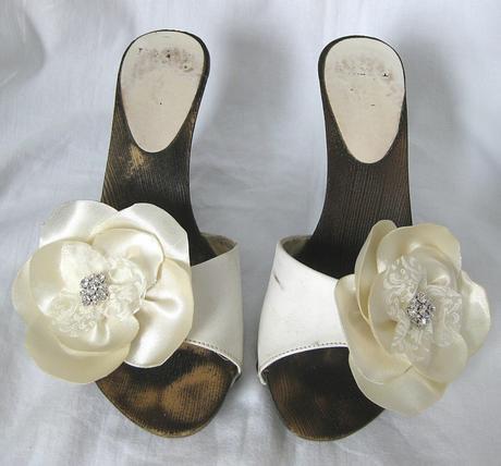 Saténové květy,