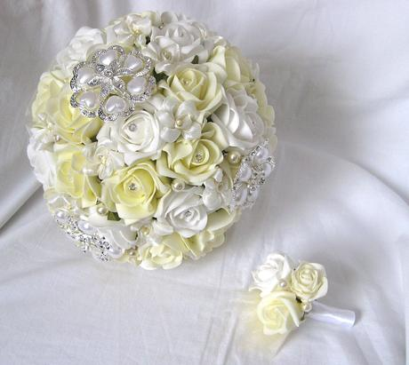 Svatební kytice - bílá+šampaň+brože,