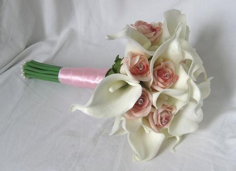 Svatební kytice kaly,