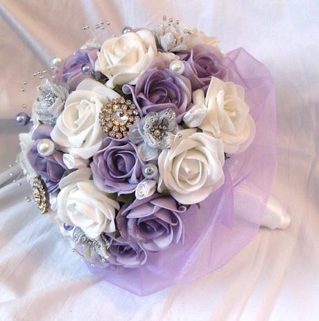 Svatební kytice lila,