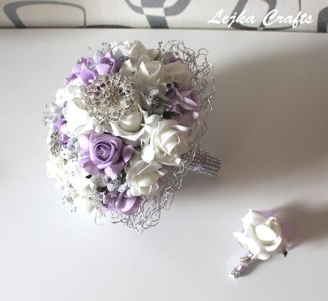 Svatební set bílá-lila s brožemi,