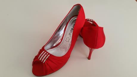 Červené topánočky, 36