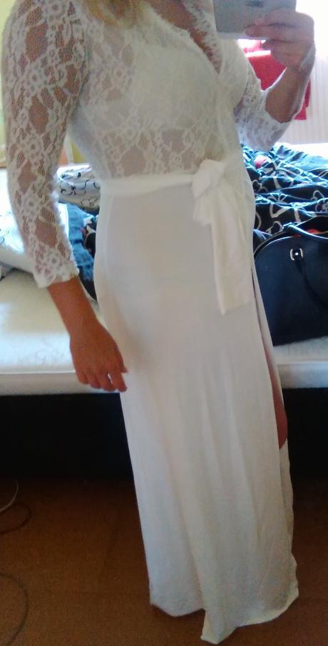 Biele šaty s čipkou, 44