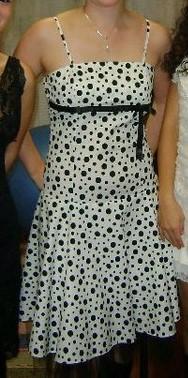 Bodkované retro šaty s tylovou  podšívkou, 38