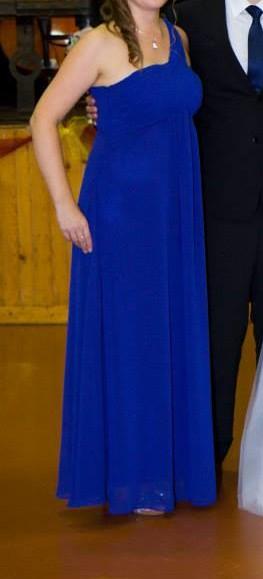 Dĺhe šaty na jedno rameno, 38