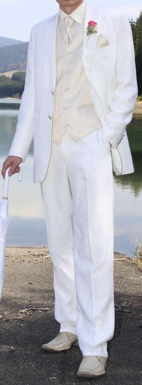 Svatební oblek Koutný prodloužená vel. 50 (tj.102), 50