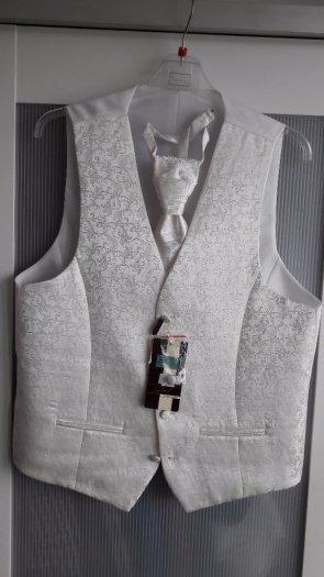 vesta s kravatou rovnakeho vzoru, 48