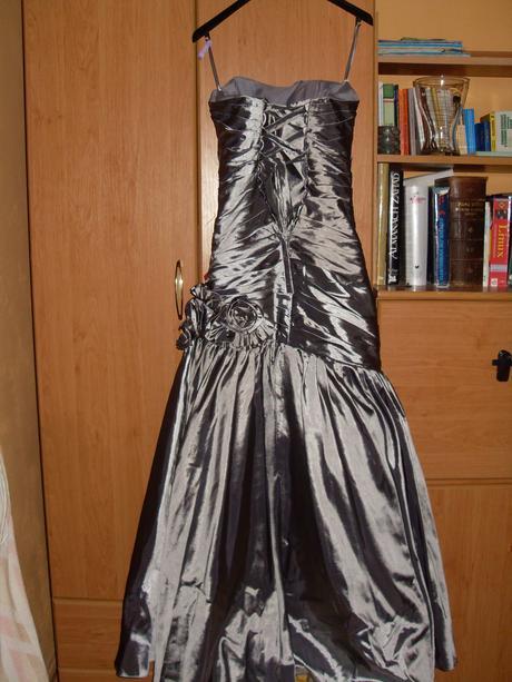 Prekrásne spoločenské šaty, 36