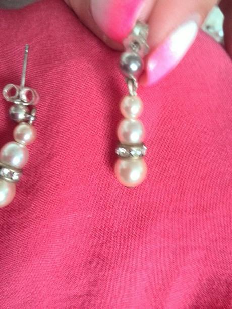 perlové náušnice se zirkonky,