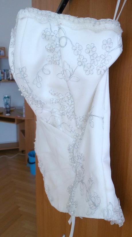 Svatební šaty - cena dohodou, 40