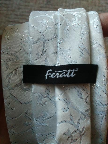 Značková kravata Feratt vyšívaná stříbrnou nití,