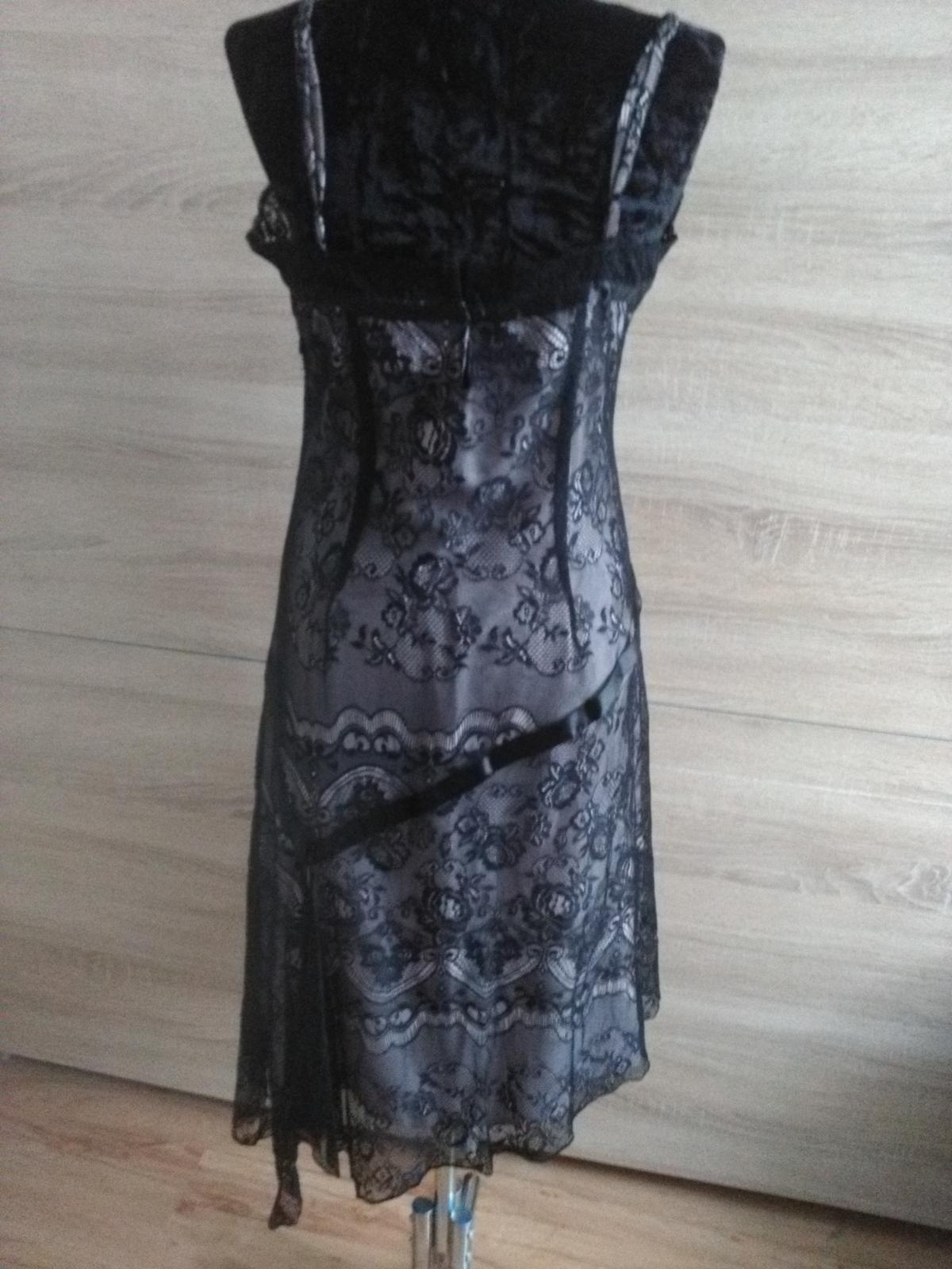 b3bd87e30452 Čierne čipkované šaty