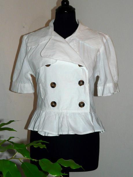 biely kabátik, 42
