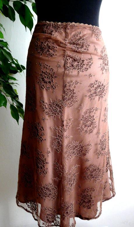 tenká sukňa, 46