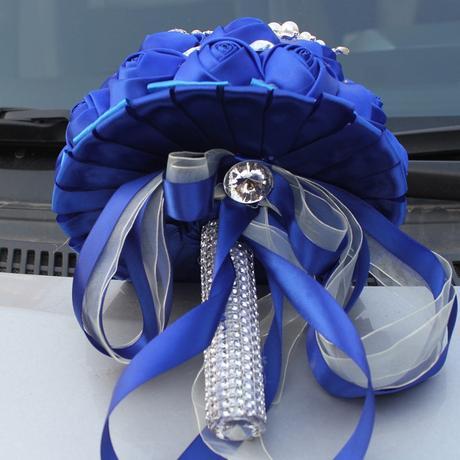 luxusní modrá,