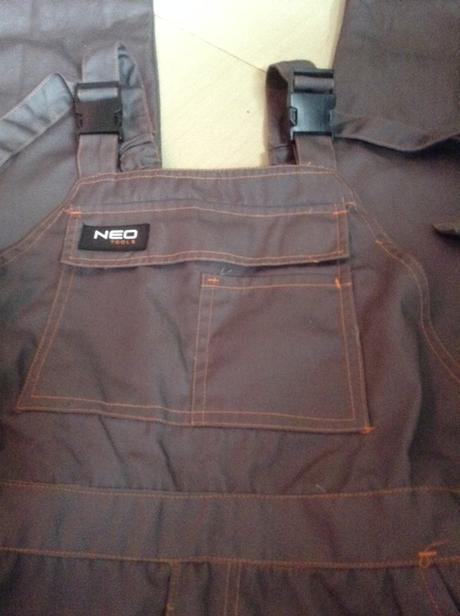 Montérkové nohavice s náprsenkou, velkosť L(54),