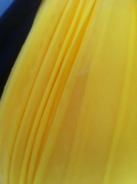 Organza žltá- nepoužitá,