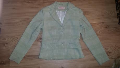 Kvalitné elegantné dámske sako, M