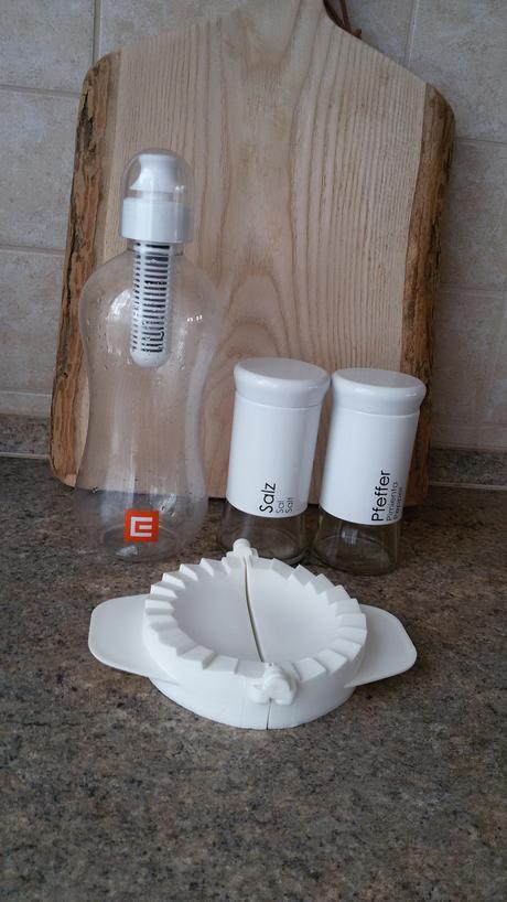 Solnička, pepřenka, filtrační láhev na vodu,