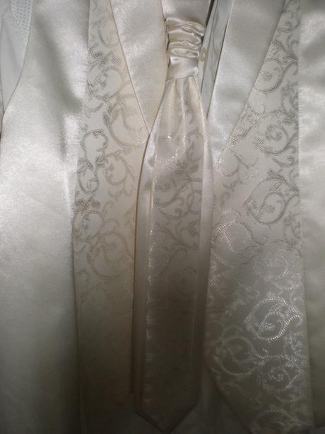 Svadobna vesta a francuzka kravata pre zenicha , 48